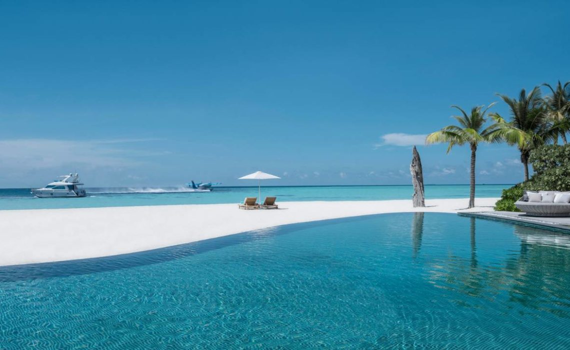 The most exclusive hotel of the world is the island of Four Season in the Baa Atoll in Maldives