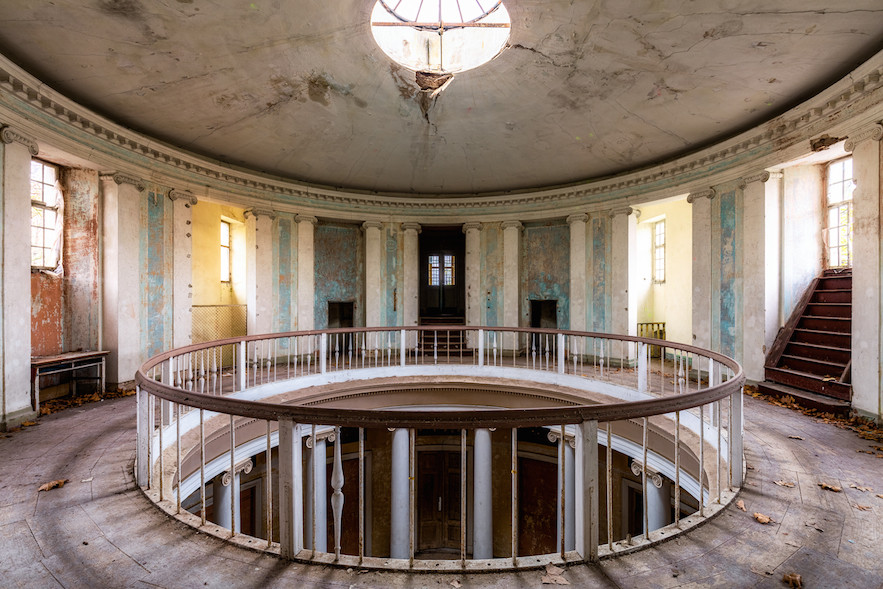ROTUNDY-PAŁAC-james_kerwin_thechicflaneuse
