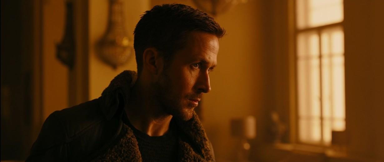 ryan gosling is lapd blade runner K in blade runner 2049 thechicflaneuse