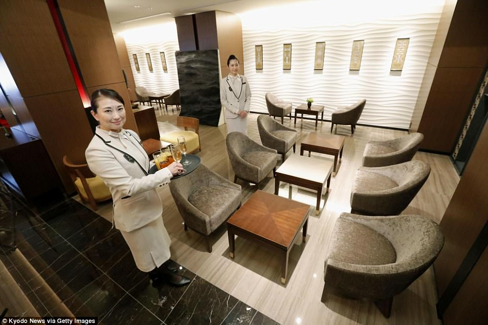 Shiki-Shima-Train-Suite-Japan-Ultra-Luxurious-Sleeper-Train-the-lounge-the-chic-flaneuse