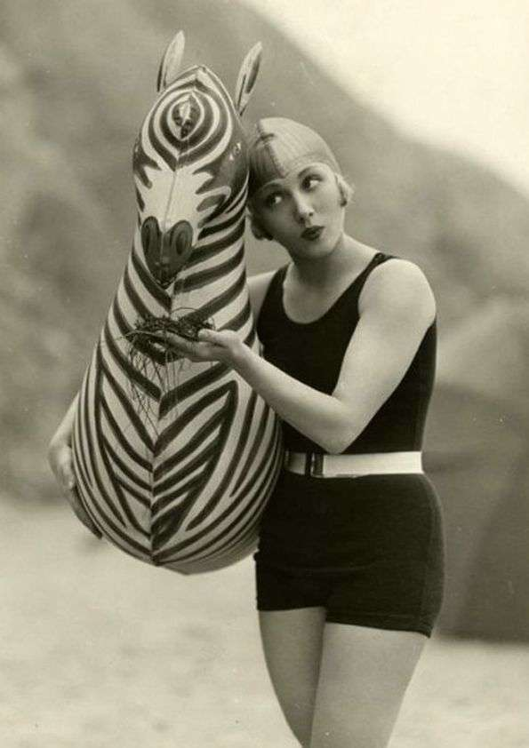 One piece swimming suit 1920 circa - thechicflaneuse