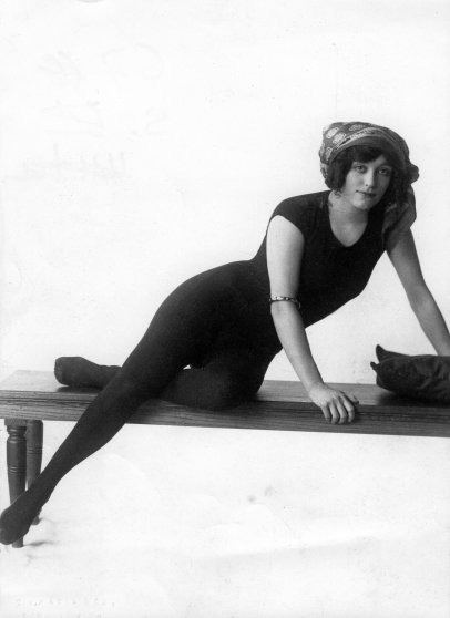 Annette Kellermann*06.07.1887-05.11.1975+Schwimmerin, Sportlerin, Australien(durchschwamm als Erste den Aermelkanal)Portrait- veroeff. BIZ Nr. 10/1910Foto: Fleet Agency (Photo by ullstein bild/ullstein bild via Getty Images) - thechicflaneuse