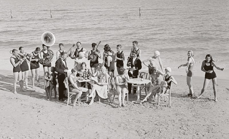 Jazz-party-in-Miami-Beach-1930.-Bettmann-Archive-Getty-Images