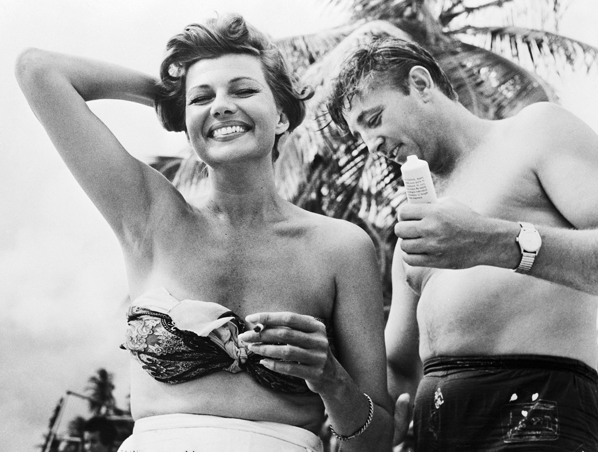 Robert Mitchum and Rita Hayworth-Port of Spain Trinidad in 1957 from Bettmann-Getty Images - thechicflaneuse