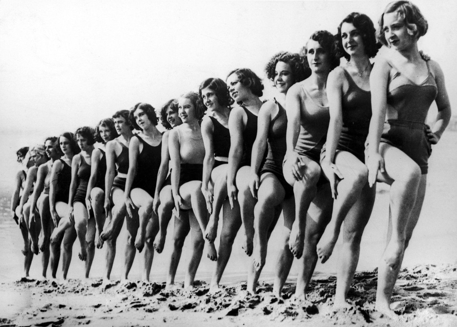 UNITED STATES - APRIL 21: Gorgeous Bathers With The Latest In Swimwear On A Beach In California, April 21, 1934. (Photo by Keystone-France/Gamma-Keystone via Getty Images) - thechicflaneuse