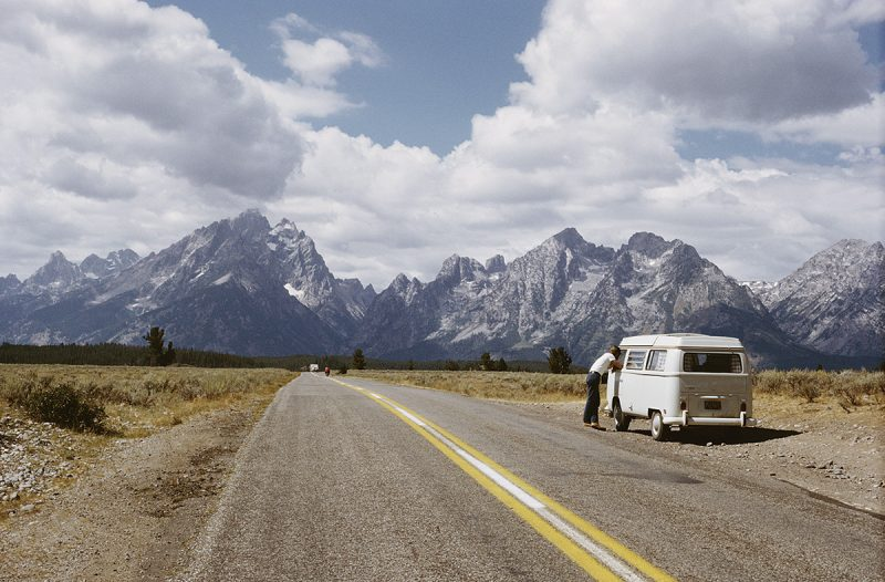 Traveling-in-a-Volkswagen-Bus-on-the-way-to-the-Teton-Range-in-the-Rocky-Mountains-Wyoming-1965-Archive-Photos-Getty-Images
