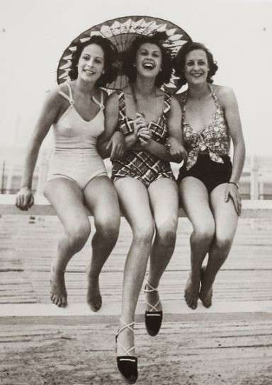 Beach Fashion in the 30s