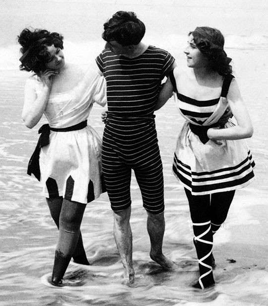 Beachwear in 1900 - thechicflaneuse