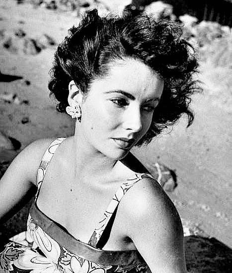 elisabeth taylor at 15-thechicflaneuse