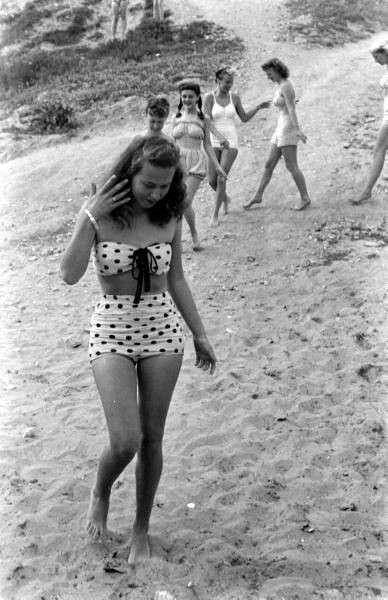 idkini in 1947 - thechicflaneuse