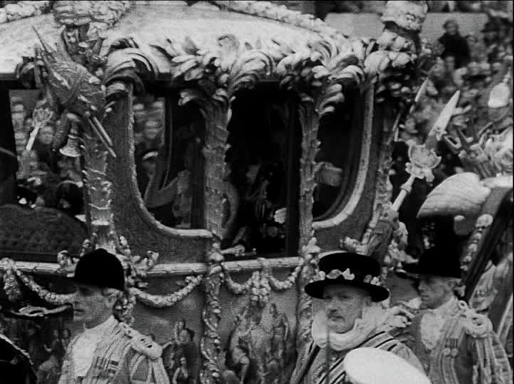 queen elisabeth coronation day carriage