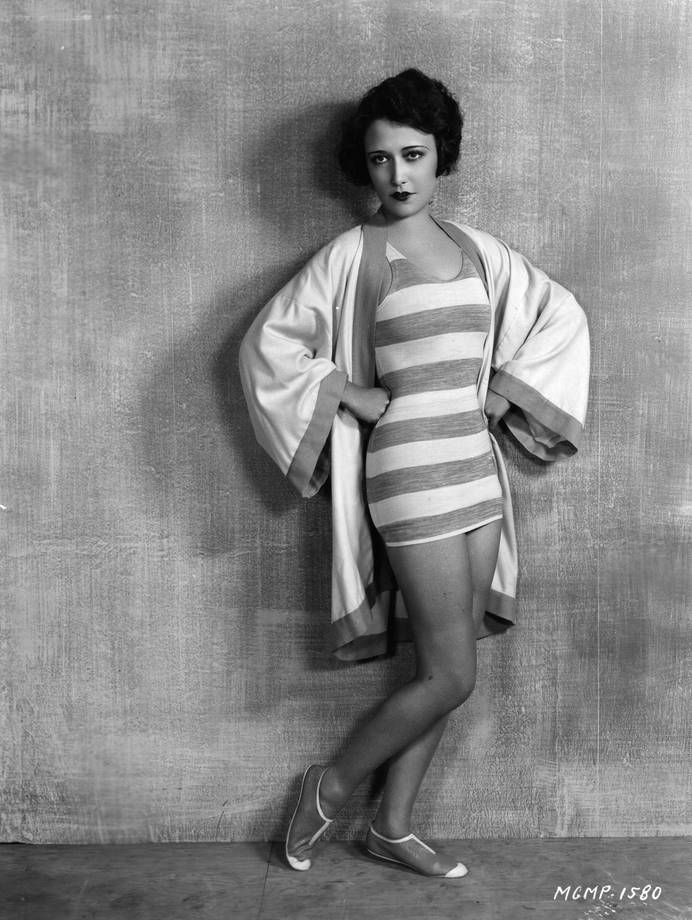 1928: Hollywood actress Dorothy Sebastian (1903 - 1957) models the latest beachwear for her role in the MGM film 'Our Dancing Daughters'. (Photo by Hulton Archive/Getty Images) thechicflaneuse