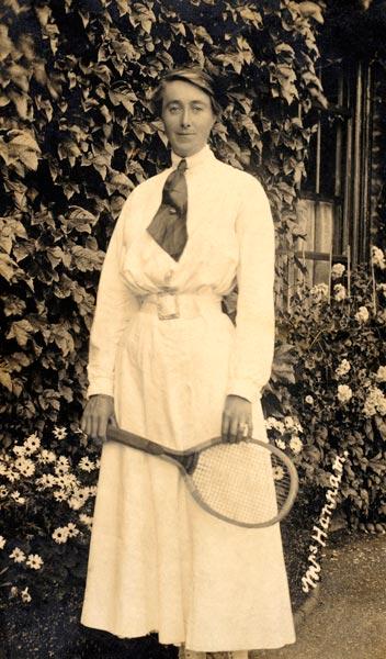 1914 Edith Hannam