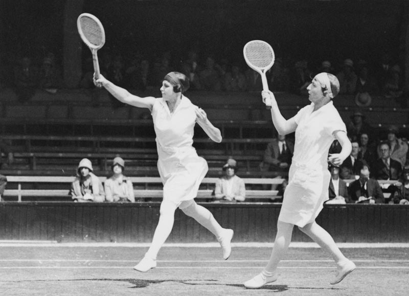 1928 Daphne Akhurst Cozens (left) and Esna Boyd