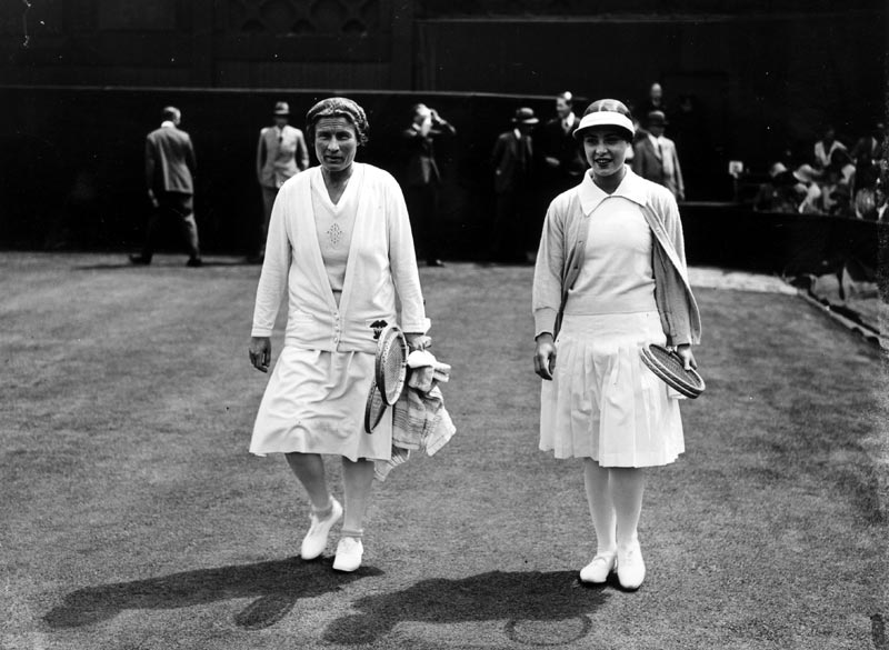1930 Bunny Ryan (left) and Cilly Aussem