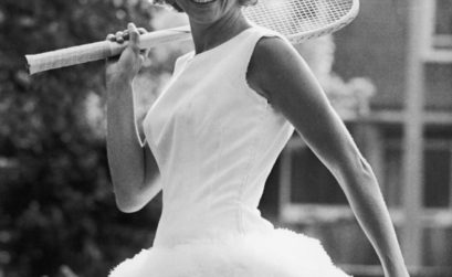 1964 Italian player Lea Pericoli Wearing a feathered tennis gown signed by British sportswear designer Teddy Tinling, very similar to a tutu – Photo Getty Images - thechicflaneuse
