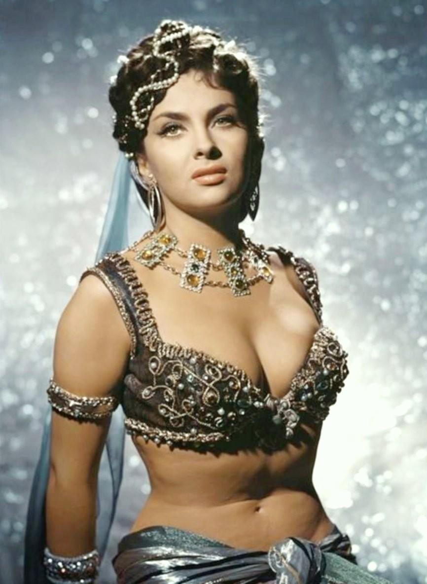 Gina Lollobrigida French Film 'Les Belles de nuit' (Beauties of the Night) 1952