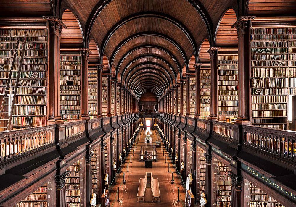 Trinity-College-Library-Dublin-1732-Thibaud-Poirier-thechicflaneuse