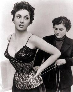 gina lollobrigida laced up