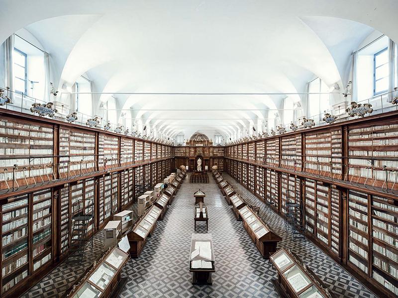 Biblioteca Casanatense open in 1701 at Santa Maria sopra Minerva Convent in Roma