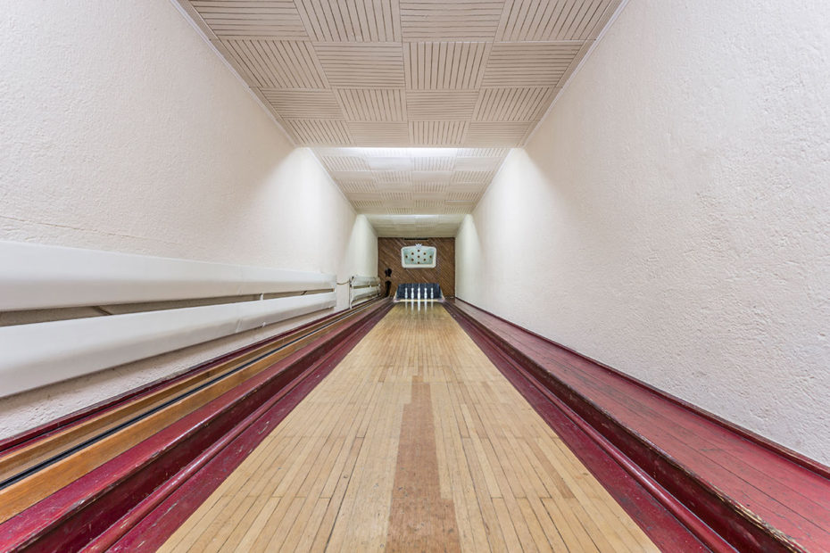 vintage bowling alleys robert gotzfried - 13 - the chic flaneuse