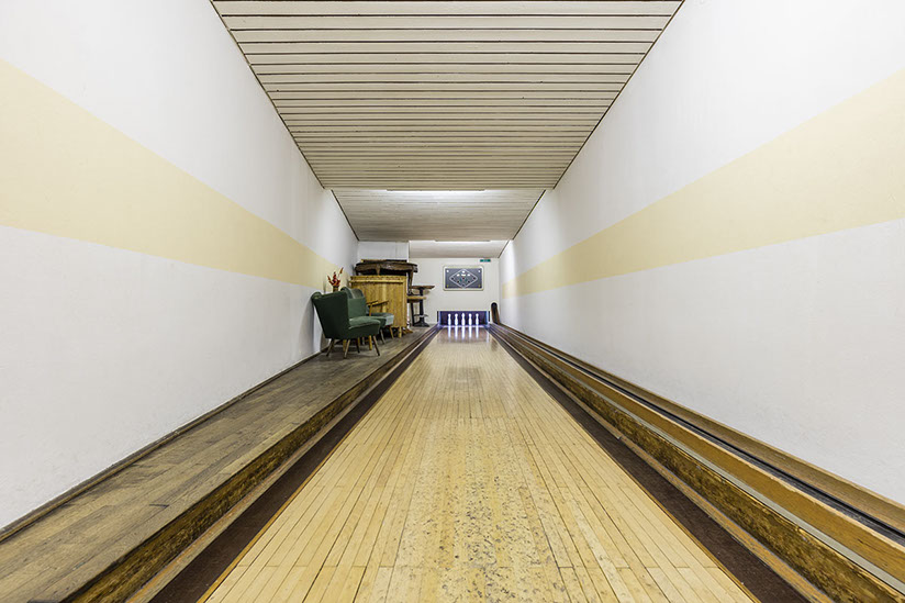 vintage bowling alleys robert gotzfried 15- the chic flaneuse