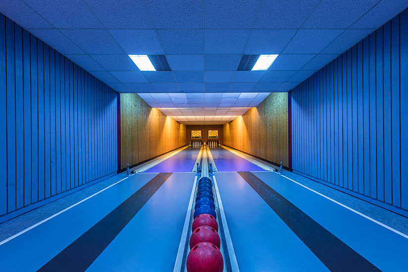 vintage-bowling-alleys-robert-gotzfried-3 - the chic flaneuse
