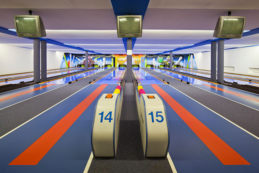 vintage-bowling-alleys-robert-gotzfried-5 the chic flaneuse