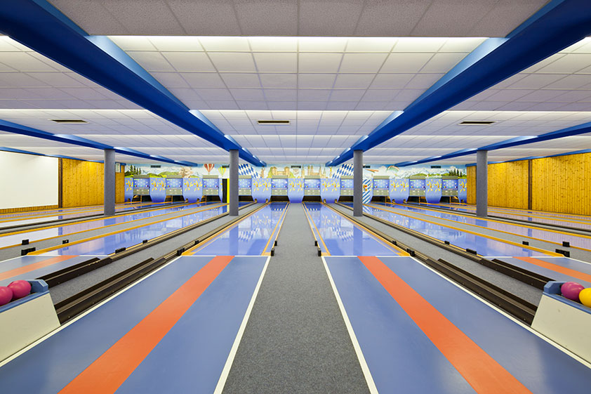 vintage-bowling-alleys-robert-gotzfried-6 the chic flaneuse