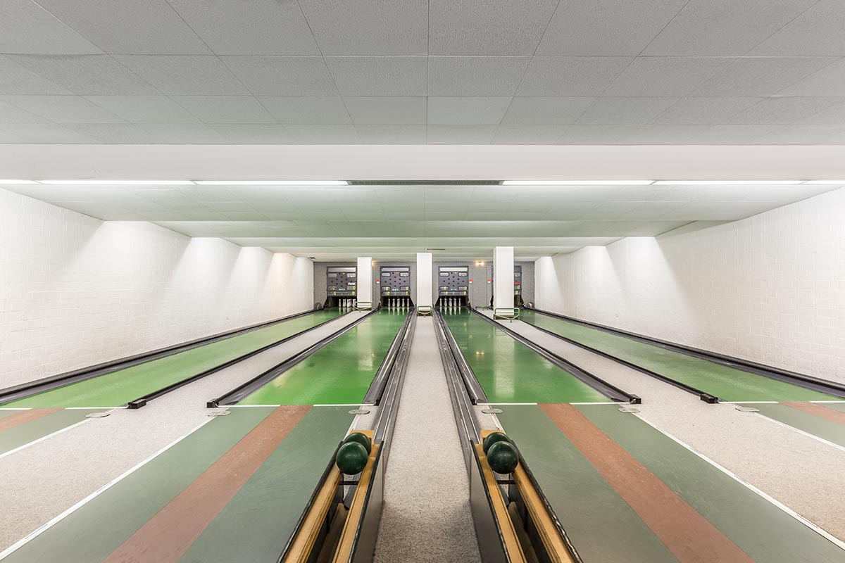 vintage-bowling-alleys-robert-gotzfried- the chic flaneuse