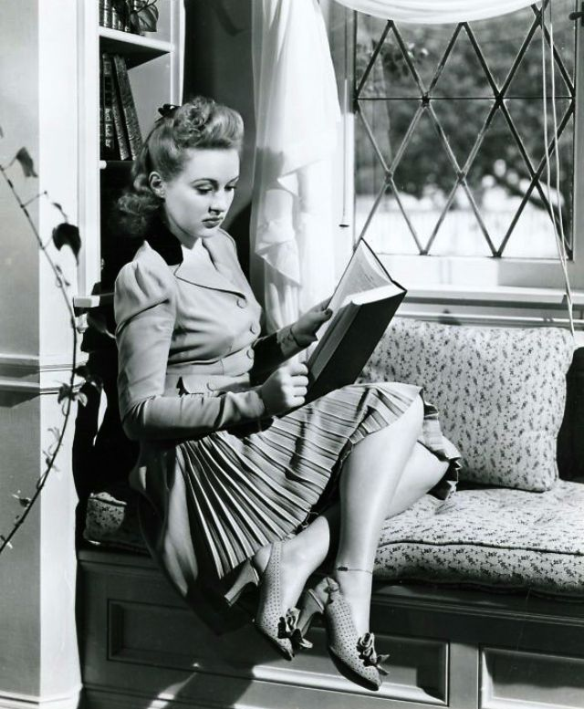 Betty Crable reading