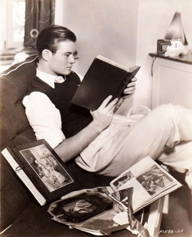 Tom Brown reading