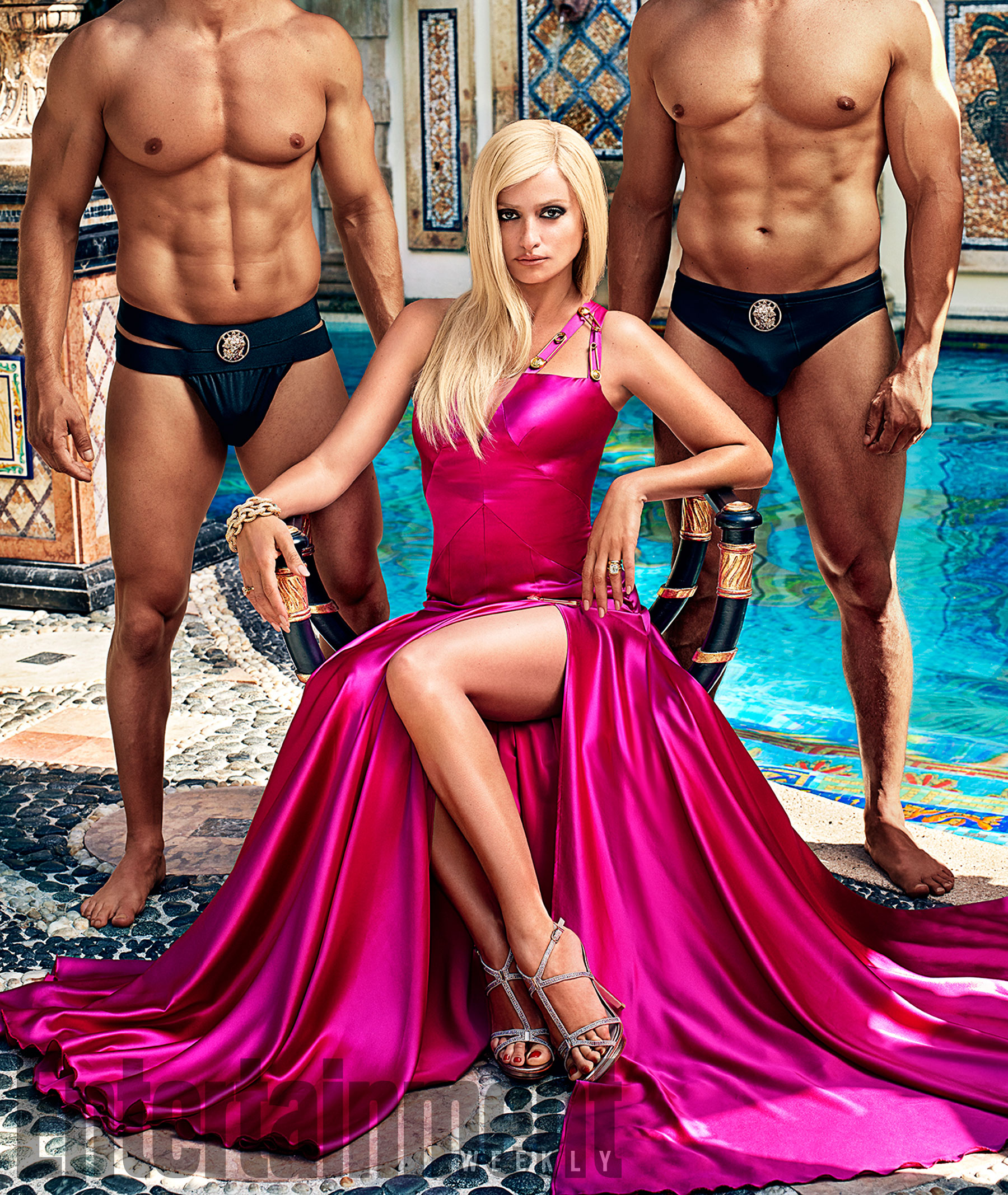 Penelope Cruz plays as Donatella Versace in The Assassination of Gianni Versace - American Horror Story